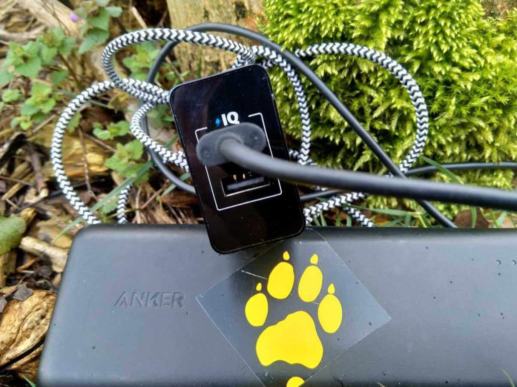 anker-powercore-dual-charger